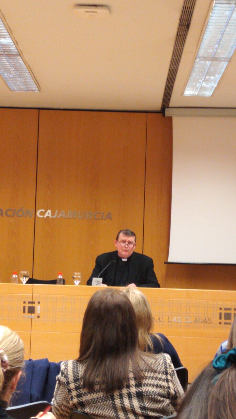 Conferencia del Padre Custodio Ballester a profesores (17-1-2020 )